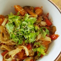 Nudeln_Gemüse_Sesam